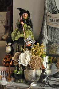 Halloween Mantel 201