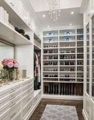 40 Incredible Walk-In Wardrobes for Women (Photos) - Home Stratosphere