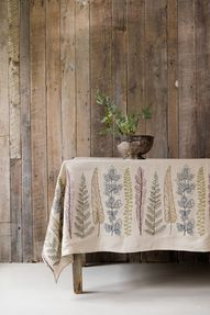 coral tusk plants table cloth #interiordesign #homedecor #linens #tabletop #nature #inspired