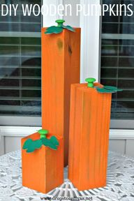 These DIY Wooden Pumpkins are such a beautiful outdoor fall decoration.Make them in an afternoon with this tutorial on www.drugstoredivas.net.