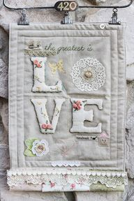 "Mini ""Love"" quilted"