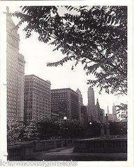 MICHIGAN BLVD GRANT PARK CHICAGO VINTAGE WWII SOLDIERS 1940s SNAPSHOT PHOTO