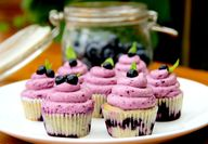 BLUEBERRY Cupcakes t