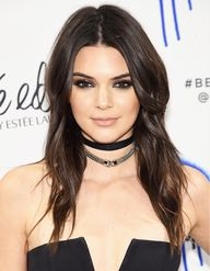 Kendall Jenners smoky eye makeup is so rocker-chic