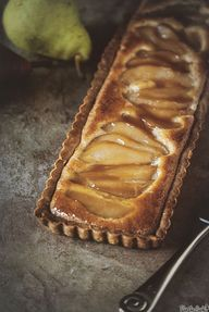 Whiskey Pear Tart –