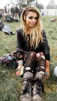 Edgy rocker look, lo