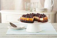 Cheesecake de base oscura con glaseado de cerezas Receta