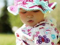 Baby and child hats / Crochet or knit a colorful and playful hat for babies and toddlers.