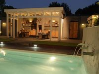 Outdoor living / Outdoor kitchen