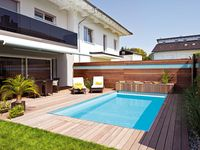 Pool im Garten; Schwimmbäder
