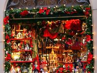 Photos of store windows at Christmas time. www.christmasspecialists.com