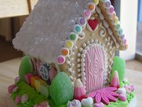 Gingerbread, Candy & Decorated Houses for all occasions