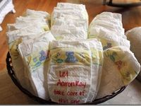 Baby shower gift ideas, Diaper cakes, Centerpieces or table decorations