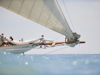 From stunning sailing images to nautical decorating themes.