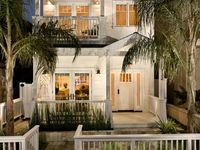 Costal Homes & Beach Houses - all about living near the water & beach