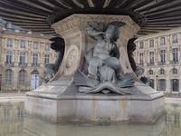Venez découvrir Bordeaux, ville inscrite au patrimoine mondial de l'Unesco, au coeur du plus célèbre vignoble du monde.  Come and discover Bordeaux, inscribed on UNESCO's World Heritage List and heart of the world's most famous vineyards, France.