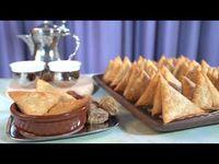 الذ سمبوسة لحم مقرمشه وما تشرب زيت Youtubeمنى قبوري الذ سمبوسك Arabic Food Food Breakfast