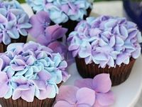 Cupcakes & other beautiful things to eat