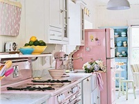 Pretty vintage kitchens