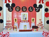 Ideas para ambientar y decorar fiestas temáticas de Mickey Mouse y Minnie Mouse.