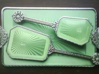 HAIRBRUSH SETS, HAND MIRRORS, COMPACTS, POWDER PUFFS,SEWING BASKETS AND ACCESSORIES.