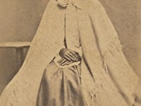 Civil War Images- bonnets, hats and outerwear