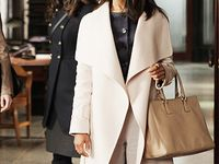 Obsessed with the show! Love Kerry washing tons character and her amazing wardrobe!