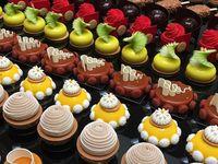 Yum / Cakes