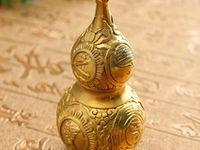 Feng Shui Brass Metal Wu Lou Charm for good Health Displaying Hanging Home Decor