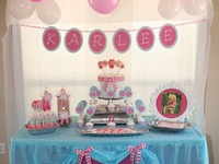 Cheap party decorations- plastic table covers & balloons
