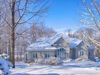 À vendre / For sale / Propriété que nous avons à vendre Properties that we have for sale