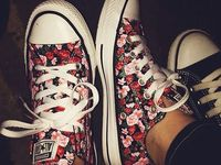 I kinda, sorta, maybe ❤️ shoes