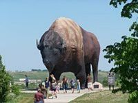North Dakota / We invite you to channel your inner explorer and experience all there is to see and do in our great state; from outdoor activities to history and culture; from birding to biking. Let us show you our exciting attractions, special events and luxury accommodations.