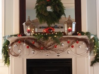 holiday decor and crafts