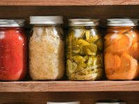 Homemade pickles,jams,jellys,licors,...
