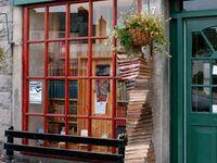 Quaint shops, stores, cafes, and such!...~