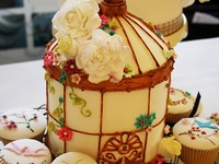 Amazing Cakes and Cupcakes