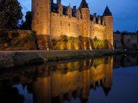 Iglesias y castillos