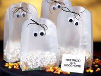 Halloween costumes, Halloween decorations