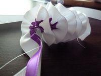 ribbon leis