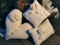 Burlap and Lace brings out the rustic chic in me!