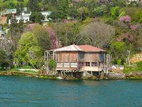 Yalılar - Waterfront Mansions of Bosphorus