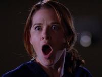 Grey's Anatomy è uno di quei telefilm che nonostante duri 10 stagioni non ti stancherai mai di vederlo e di rivederlo, perché ogni puntata è un colpo al cuore, un morir dal ridere, un piangere senza ritegno sperando (sottolineo sperando) che poi alla fine tutto si risolva, perché con Shonda Rhimes tutto è possibile.