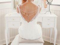 Wedding back jewelry