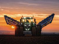 Gruner Traktor Bild Deere Company Traktoren Landwirtschaftliche Maschinen Traktor