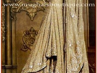 Outfit ideas of bride n groom