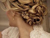 Wedding hair, nails, beauty, accessories, shoes, garter, earrings, etc.