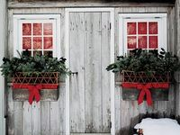My most favorite time of the year - Christmas!  I love to decorate.  These fantastic photos are my inspiration board.