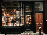 Fabulous Facades! / Quaint shop fronts, boutiques, shoppes, pubs and bars, hotels and inns.