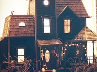 Inspiration for my Haunted House project using a Greenleaf Fairfield dollhouse kit.